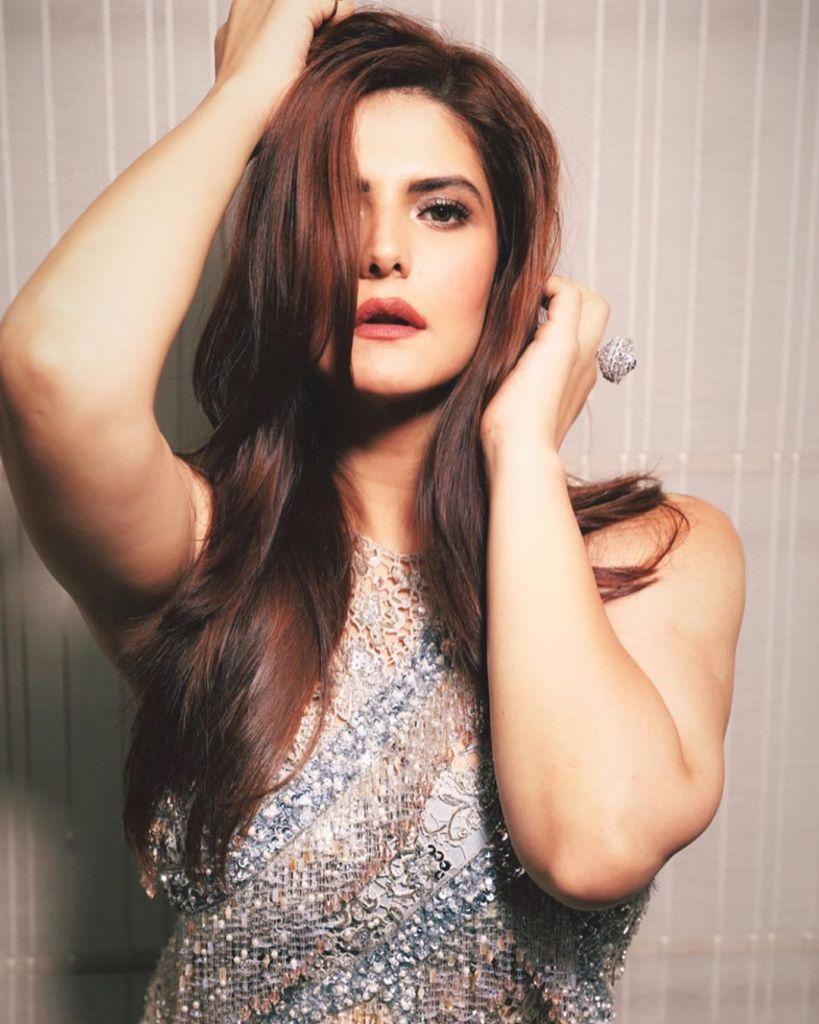 45+ Stunning Photos of Zareen Khan 14