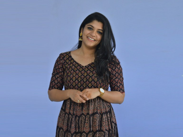 53+ Gorgeous Photos of Aparna Balamurali 114