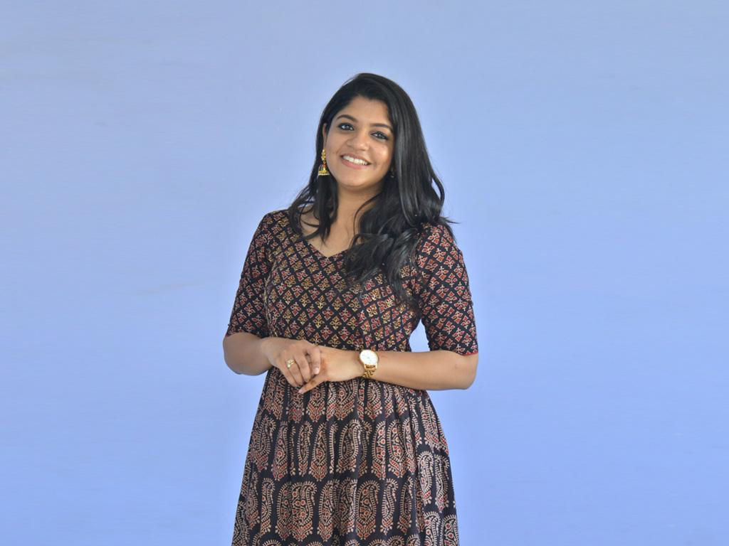 53+ Gorgeous Photos of Aparna Balamurali 35