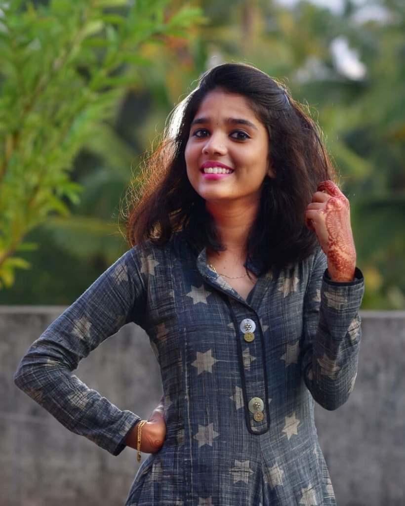 Kerala Tik Tok Star Dhanya S Rajesh (Helen of Sparta) HD Photos 5