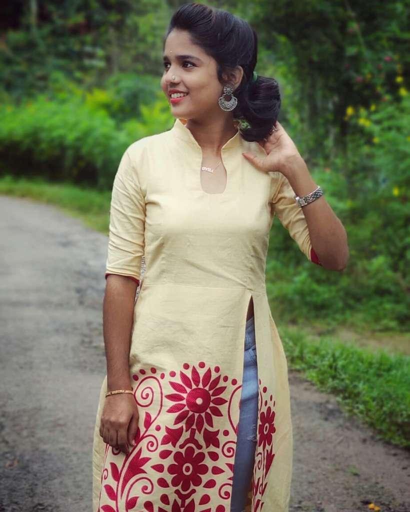 Kerala Tik Tok Star Dhanya S Rajesh (Helen of Sparta) HD Photos 13