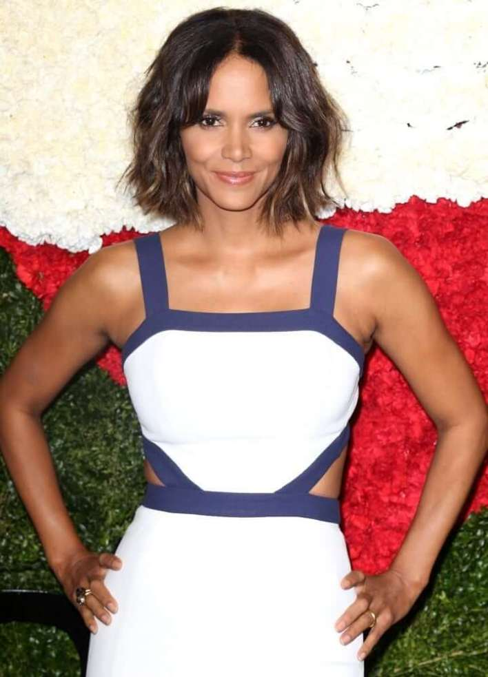 59+ Charming Photos of Halle Berry 34