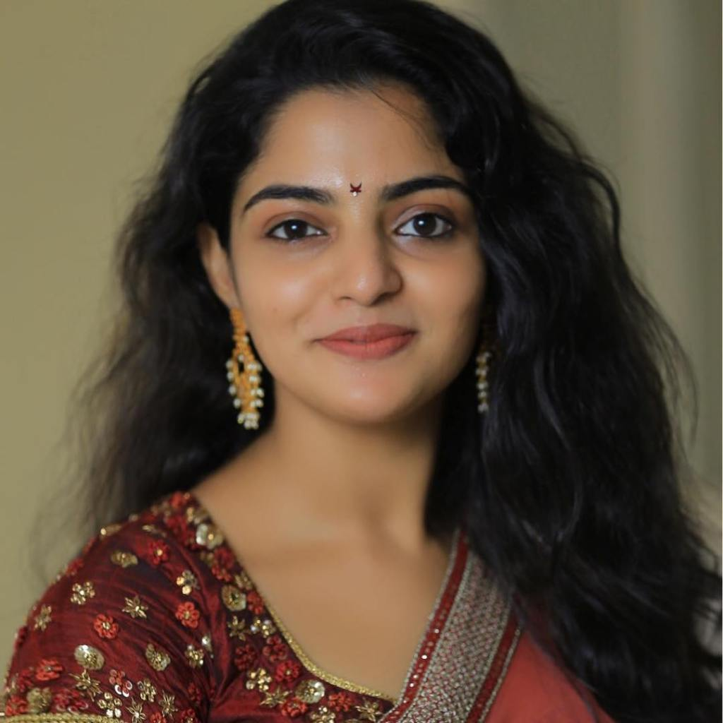 48+ Gorgeous Photos of Nikhila Vimal 89