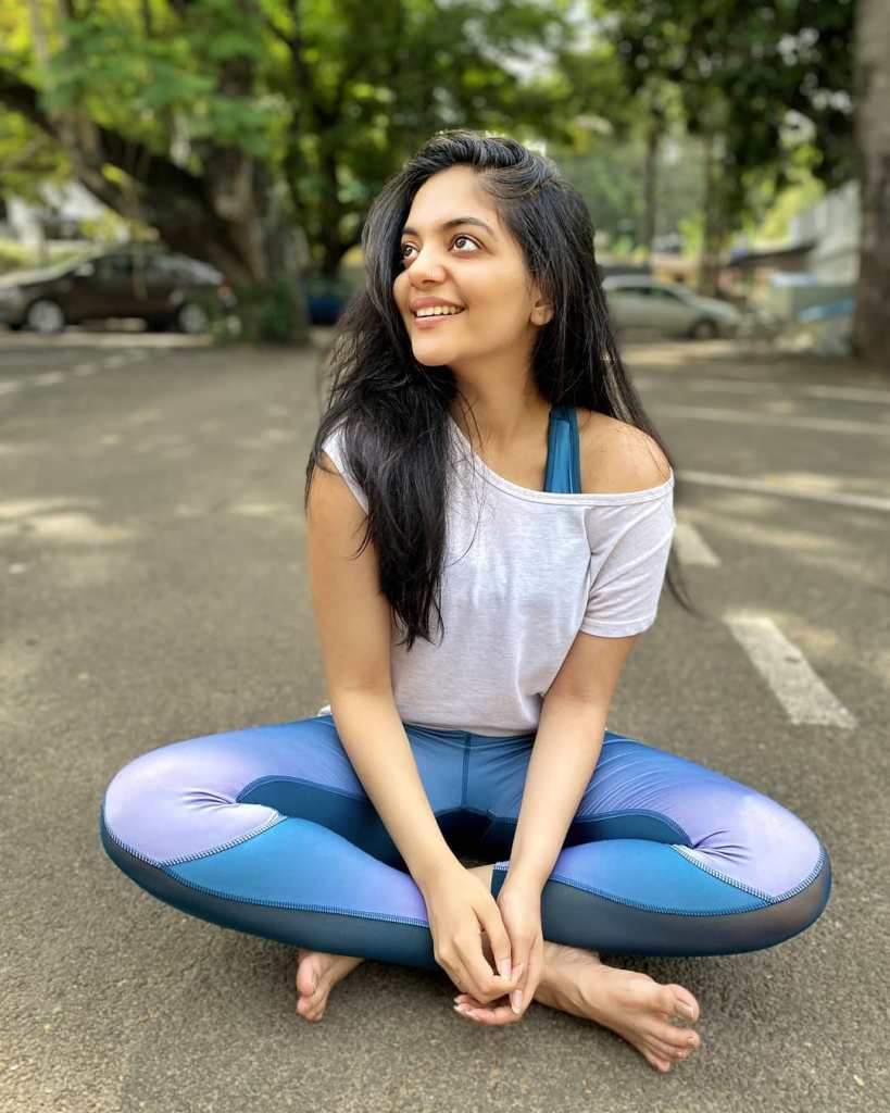 Ahaana Krishna 33+ Gorgeous Photos, Wiki, Age, Biography, and Movies 98