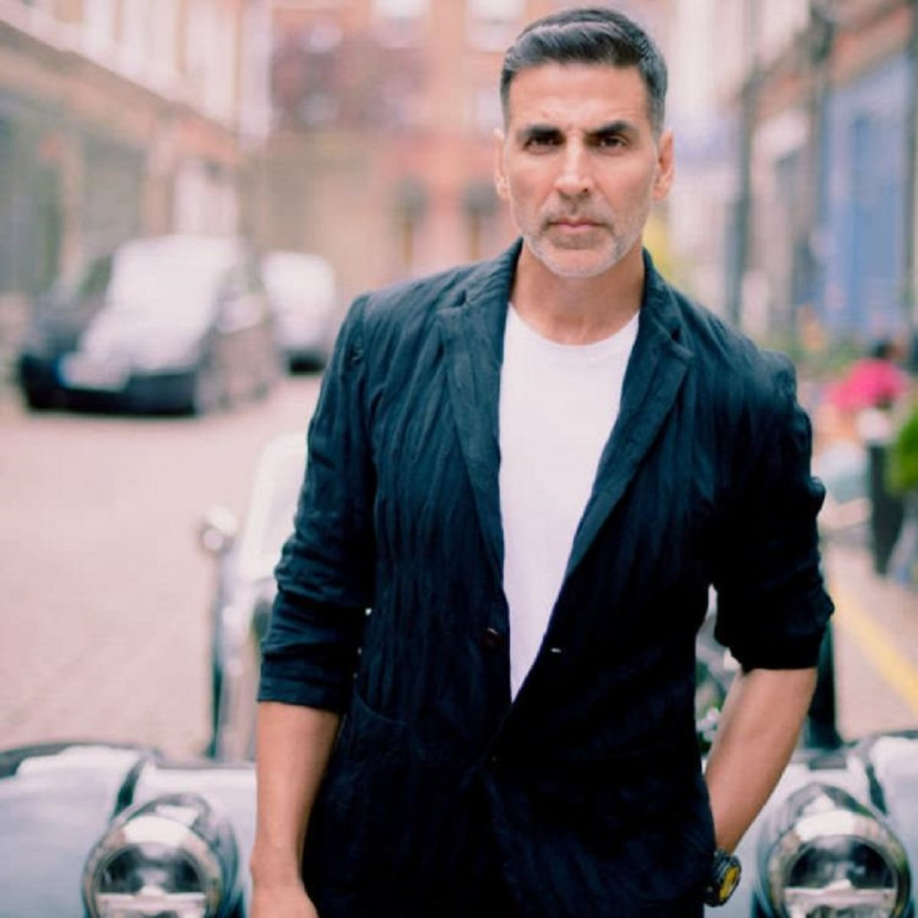 Akshay Kumar Wiki, Age, Family, Movies, HD Photos, Biography, and More 90