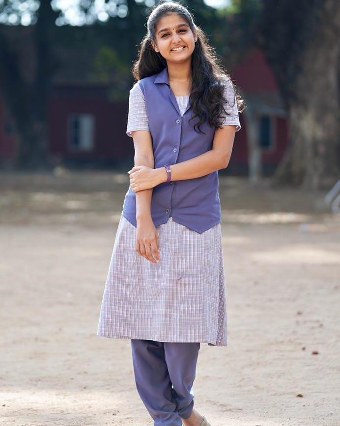 18+ Cute Photos of Anaswara Rajan 2