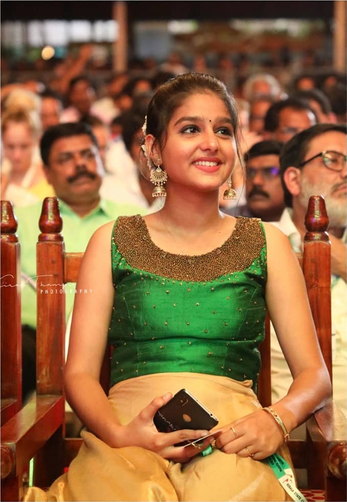 18+ Cute Photos of Anaswara Rajan 9