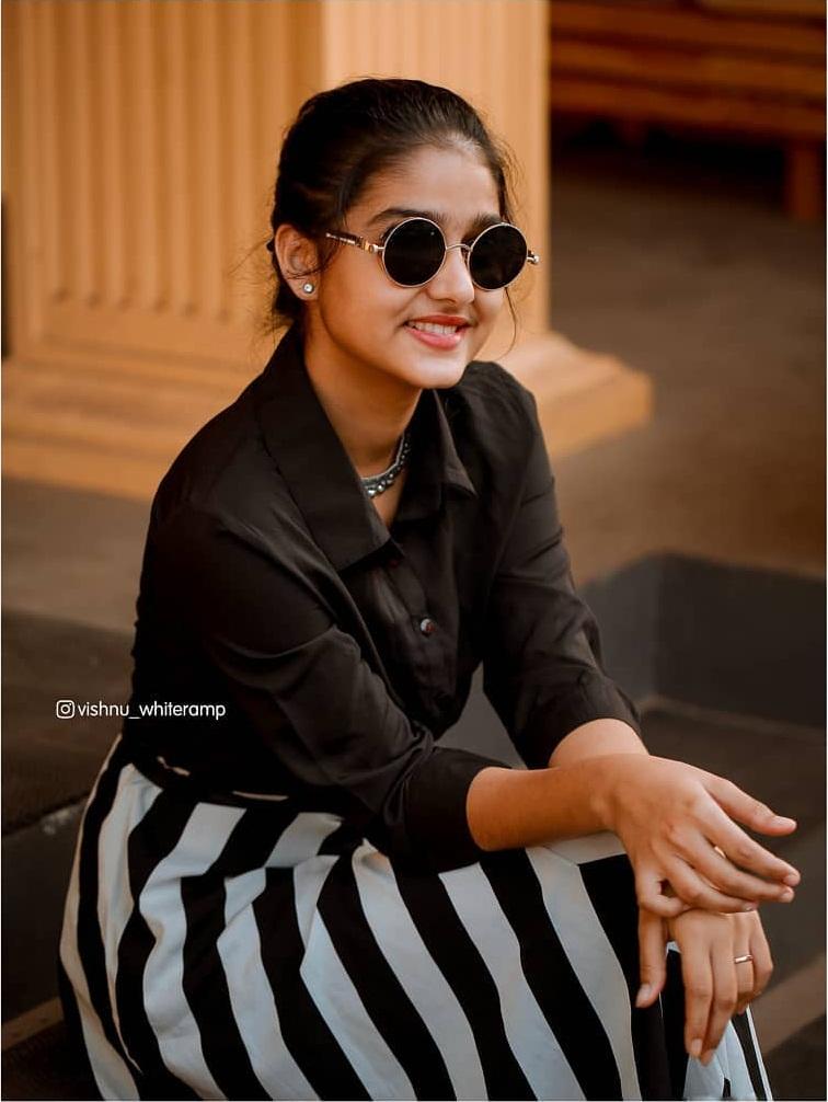 18+ Cute Photos of Anaswara Rajan 10