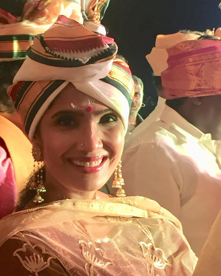 Anuradha Sriram Wiki, Age, Family, Movies, HD Photos, Biography, and More 50