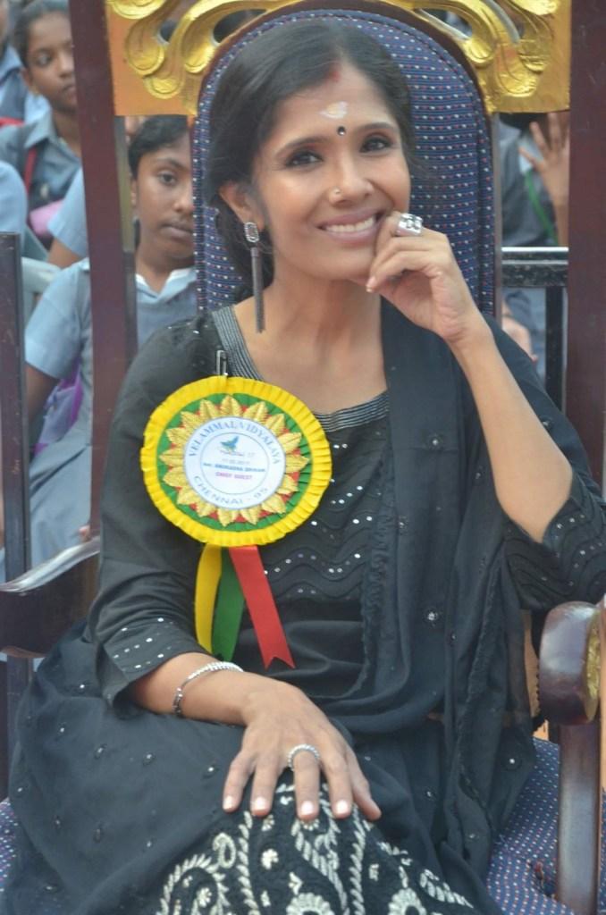 Anuradha Sriram Wiki, Age, Family, Movies, HD Photos, Biography, and More 51
