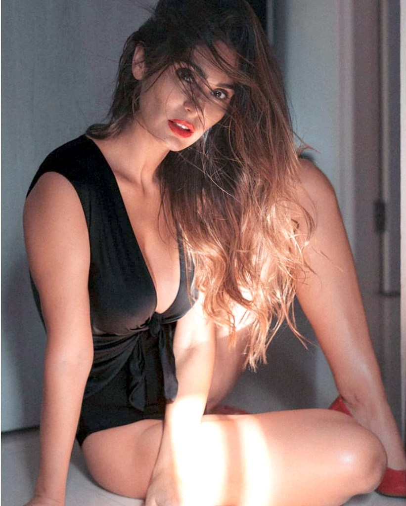 29+ Stunning Photos of Bruna Abdullah 24