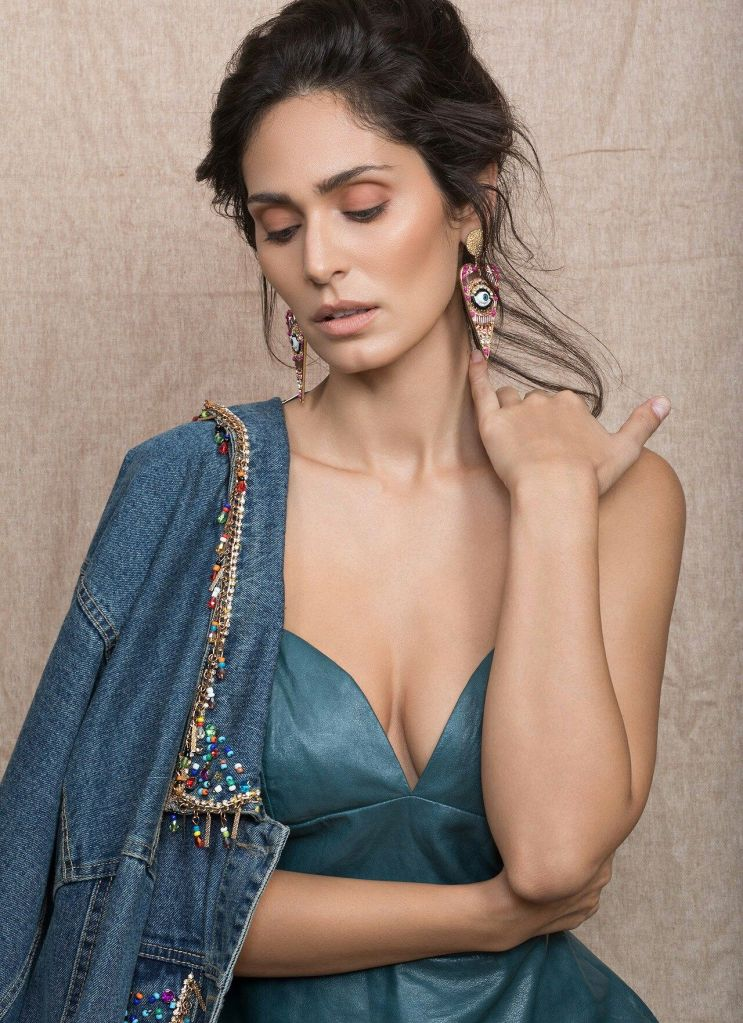 29+ Stunning Photos of Bruna Abdullah 26