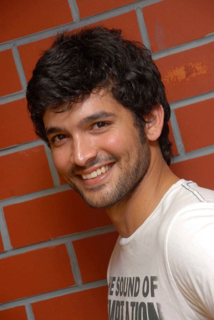 Diganth Wiki, Age, Family, Movies, HD Photos, Biography, and More 2