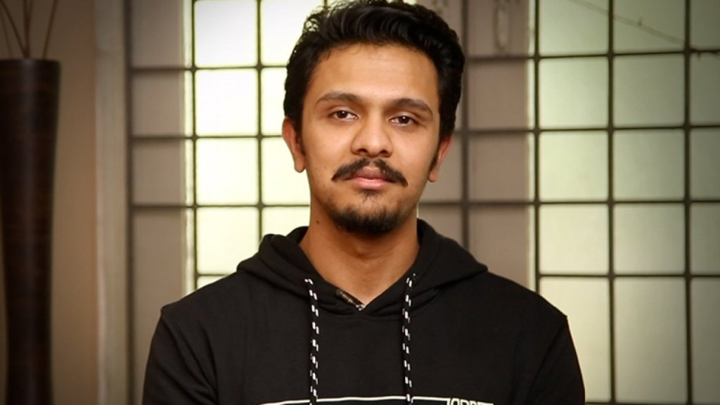Karthick Naren Wiki, Age, Family, Movies, HD Photos, Biography, and More 4