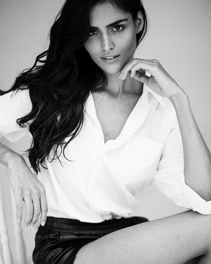 37+ Glamorous Photos of Nathalia Kaur 35