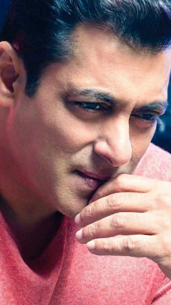 Salman Khan Wiki, Age, Family, Movies, HD Photos, Biography, and More 3