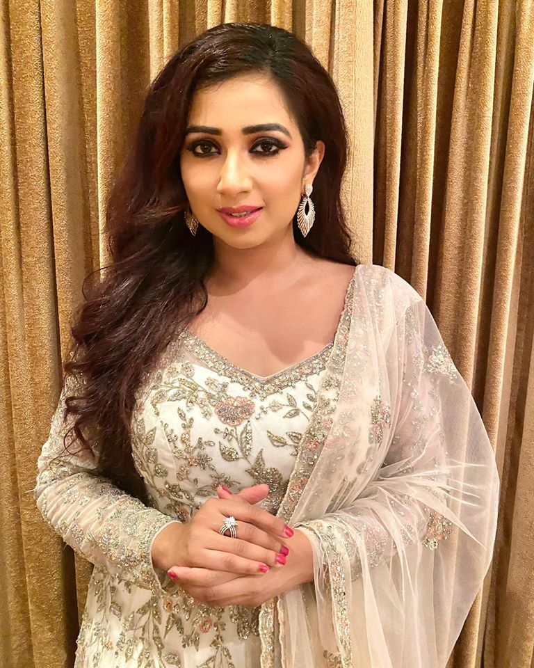 Shreya Ghoshal Wiki, Age, Family, Movies, HD Photos, Biography, and More 88