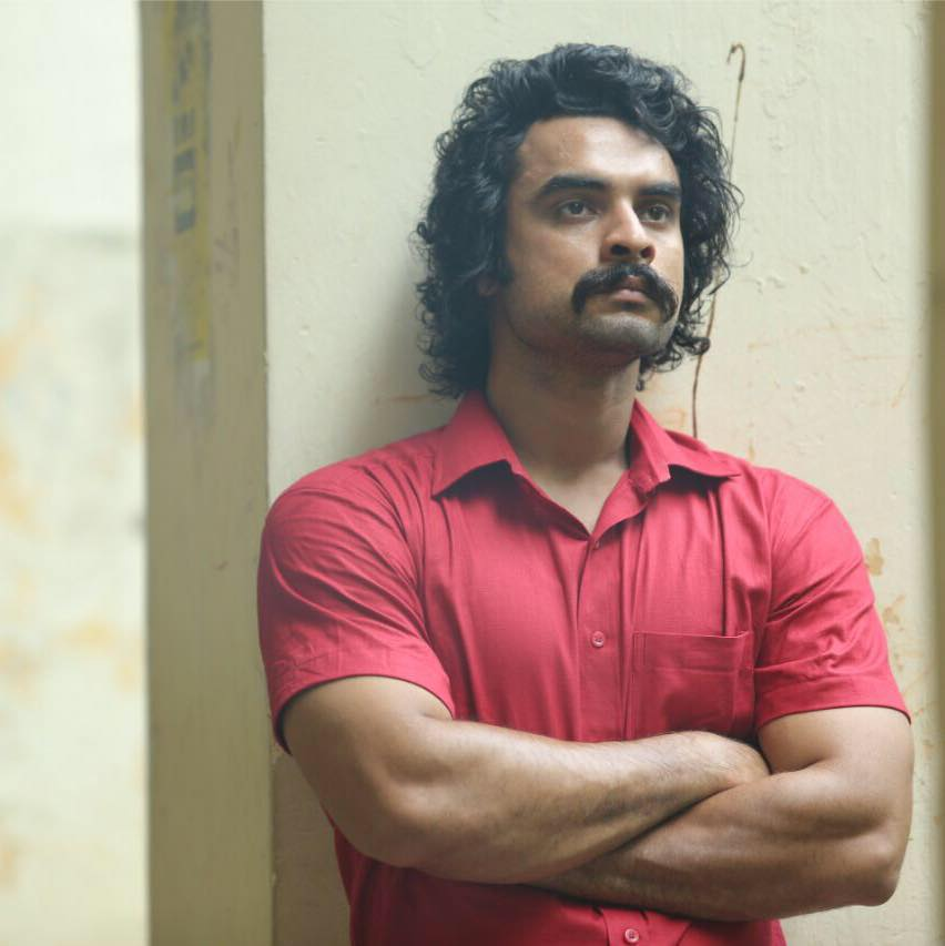 Tovino Thomas Wiki, Age, Family, Movies, HD Photos, Biography, and More 5