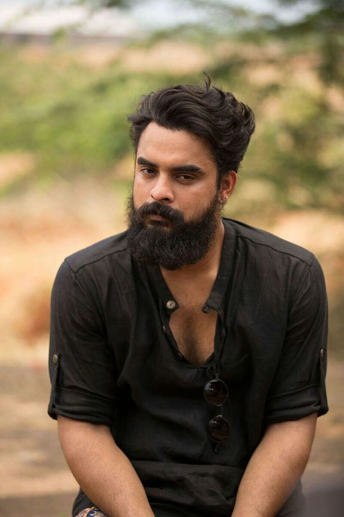 Tovino Thomas Wiki, Age, Family, Movies, HD Photos, Biography, and More 92