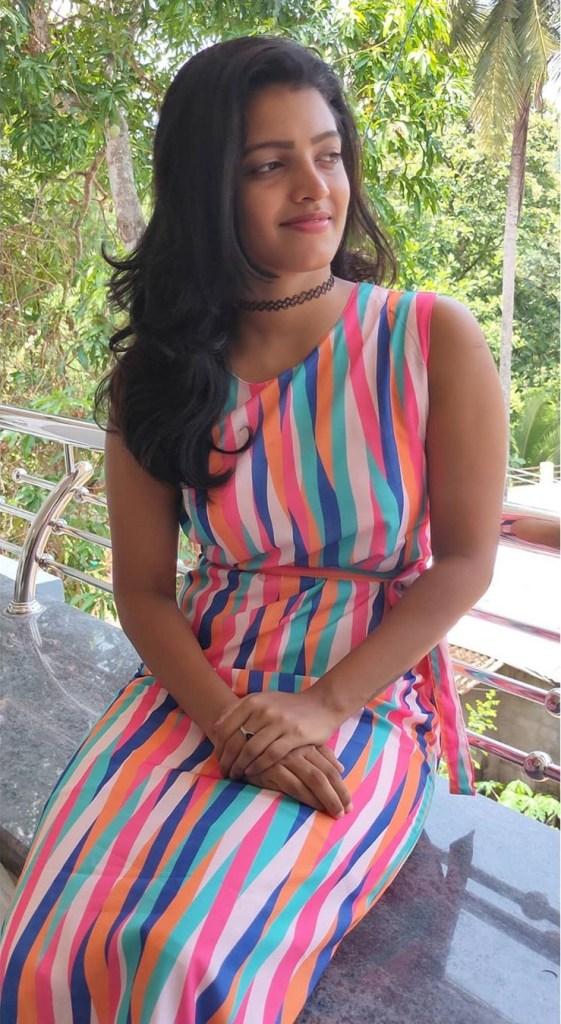 Aishwarya Rai's doppelganger, Kerala Tik Tok Star Amrutha Saju Gorgeous Photos 57