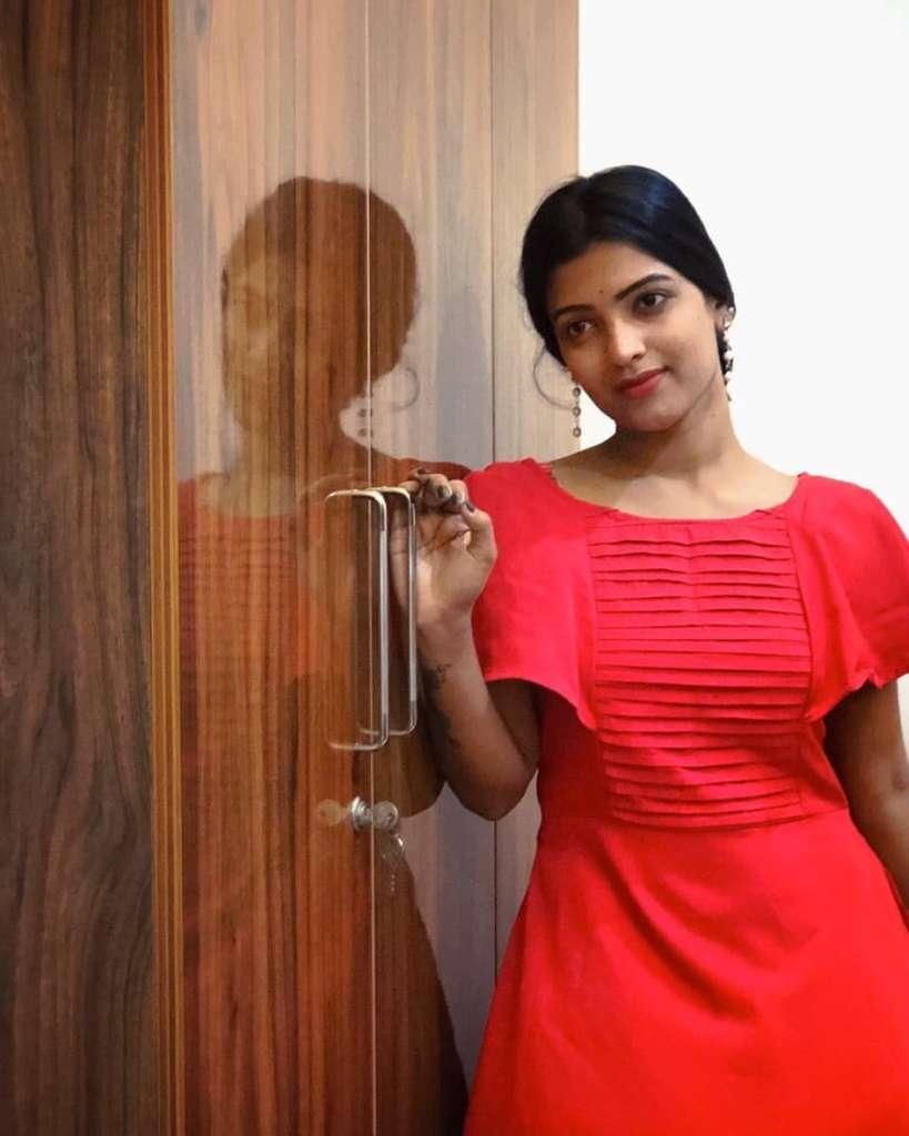 Aishwarya Rai's doppelganger, Kerala Tik Tok Star Amrutha Saju Gorgeous Photos 66