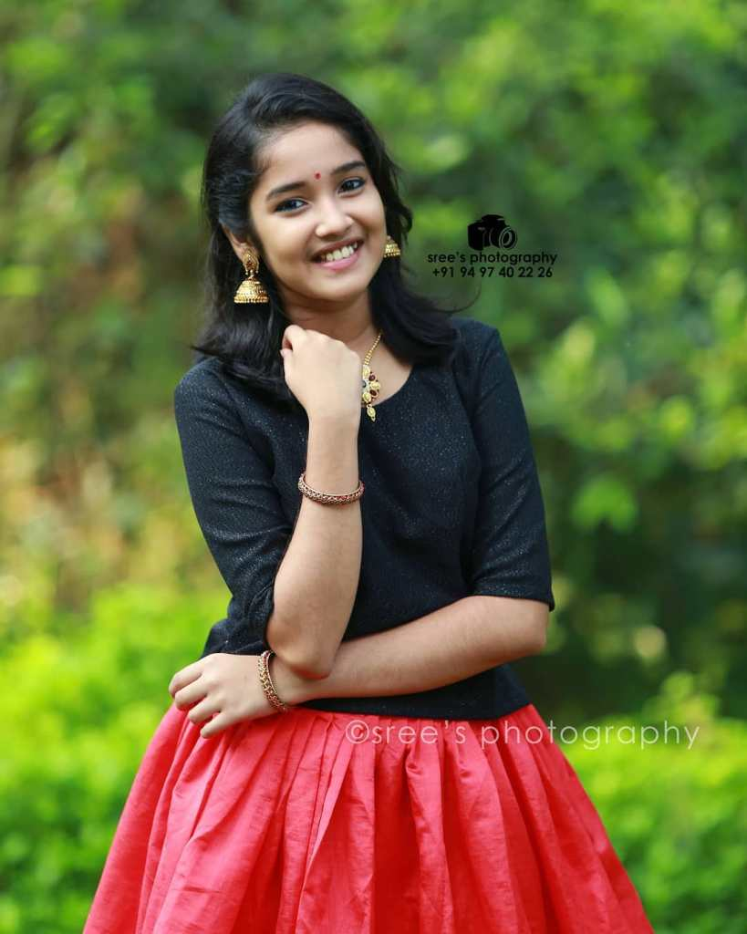 Anikha Surendran Wiki, Age, Biography, Movies and Beautiful Photos 18