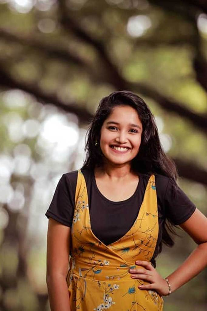 Anikha Surendran Wiki, Age, Biography, Movies and Beautiful Photos 25