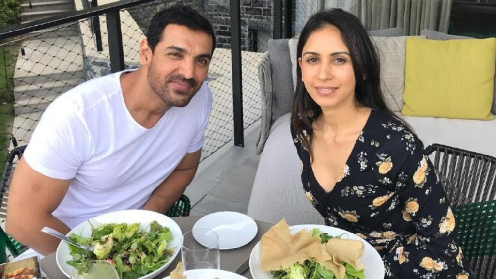 John Abraham Wiki, Age, Family, Movies, HD Photos, Biography, and More 7