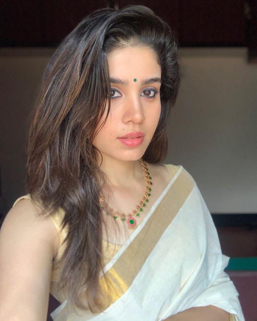 45+ Gorgeous Photos of Miss South India Lakshmi Menon 108