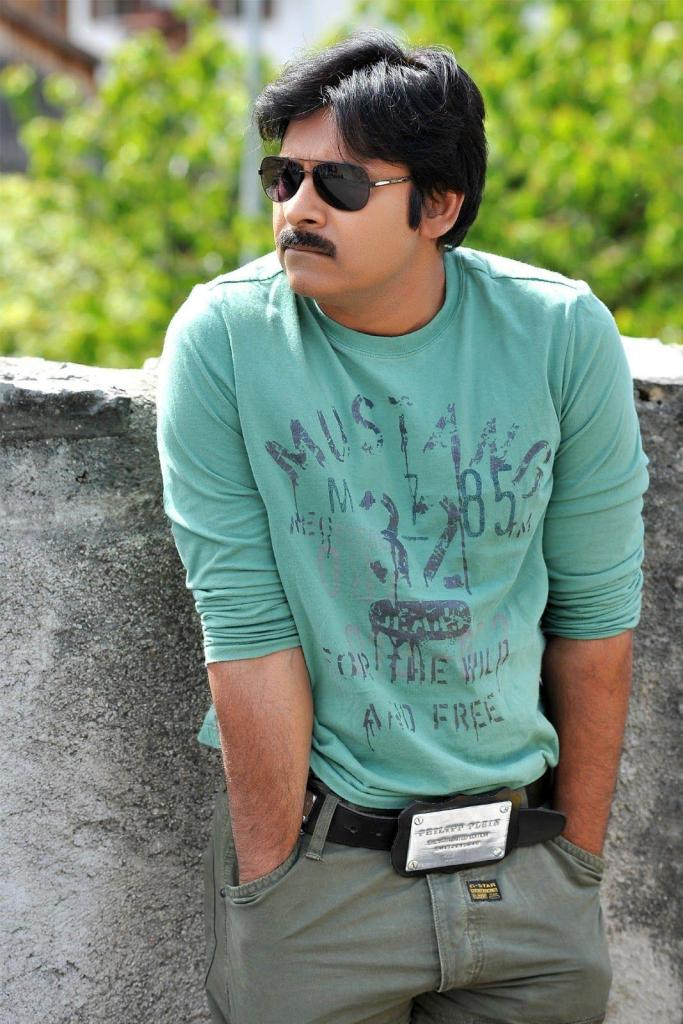 Pawan Kalyan Wiki, Age, Family, Movies, HD Photos, Biography, and More 13