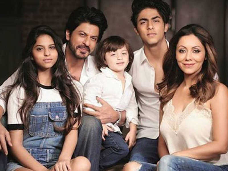 Shahrukh Khan Wiki, Age, Family, Movies, HD Photos, Biography, and More 7