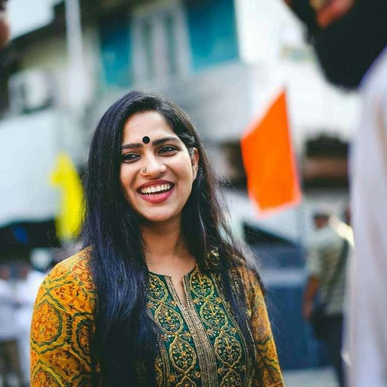 Swasika Vijay 27+ Beautiful Photos, Wiki, Age, Biography, and Movies 100