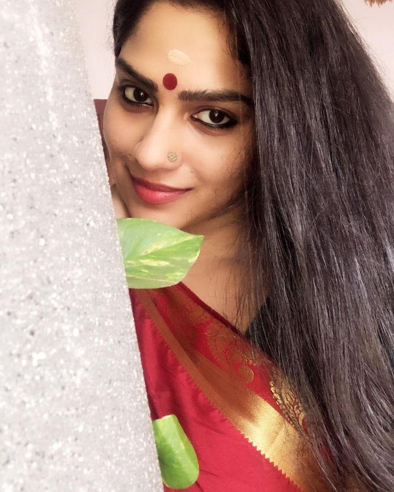Swasika Vijay 27+ Beautiful Photos, Wiki, Age, Biography, and Movies 101