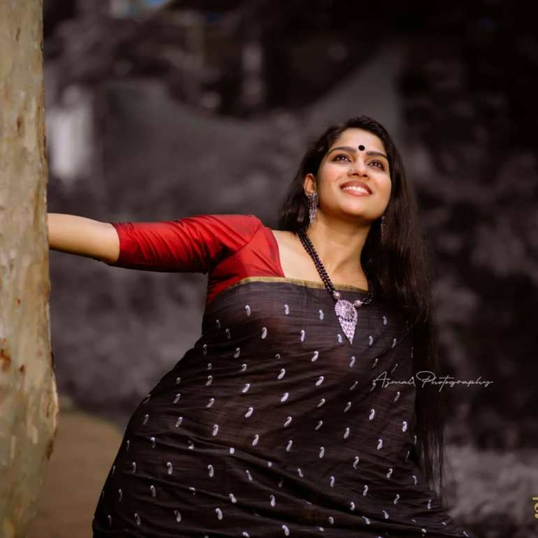 Swasika Vijay 27+ Beautiful Photos, Wiki, Age, Biography, and Movies 110