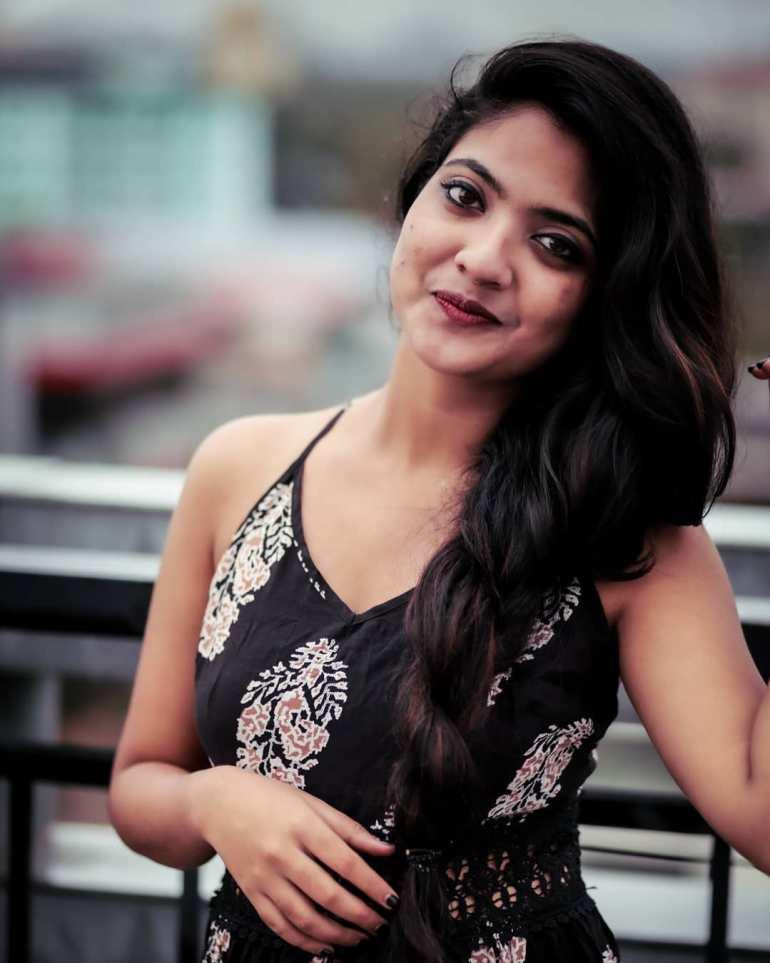 21+ Lovely Photos of Nandana Varma 2
