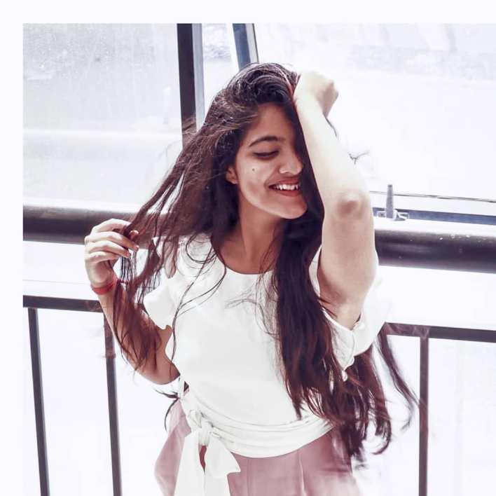 21+ Lovely Photos of Nandana Varma 17
