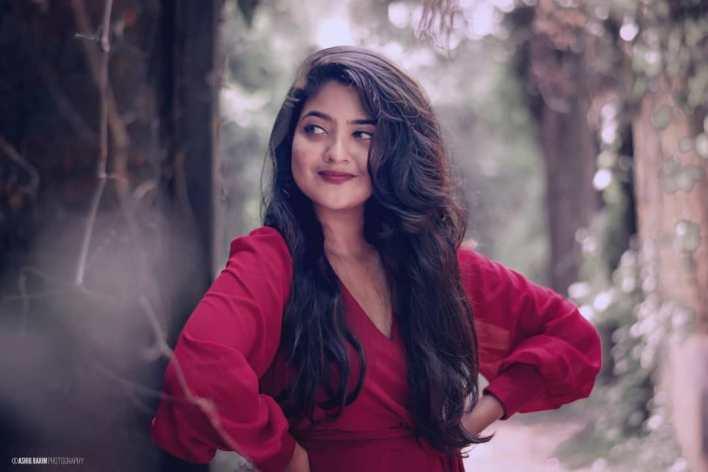 21+ Lovely Photos of Nandana Varma 19