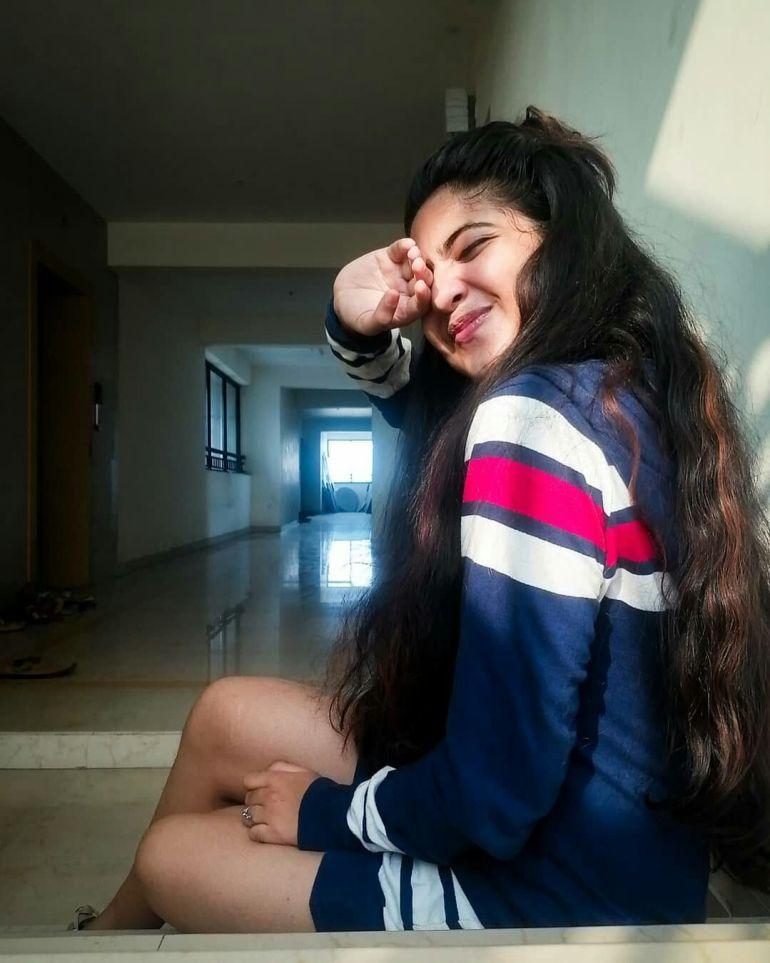 21+ Lovely Photos of Nandana Varma 21