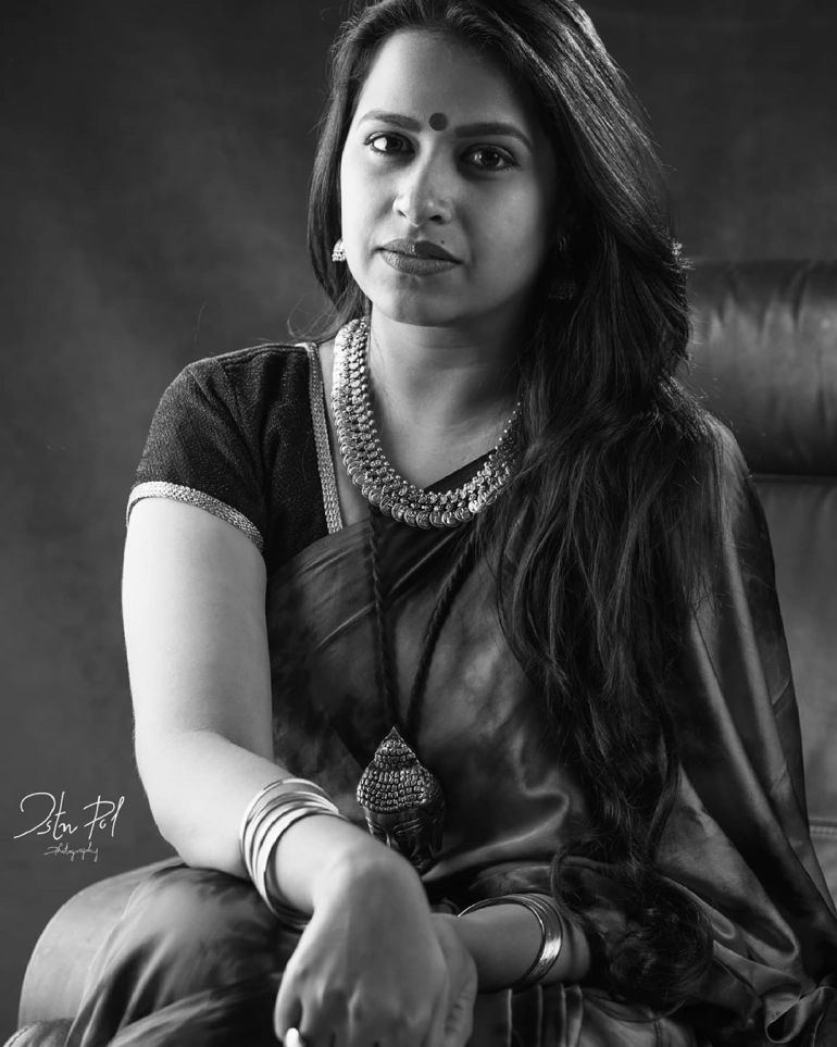 Sadhika Venugopal 39+ Beautiful Photos, Wiki, Age, Biography, and Movies 62