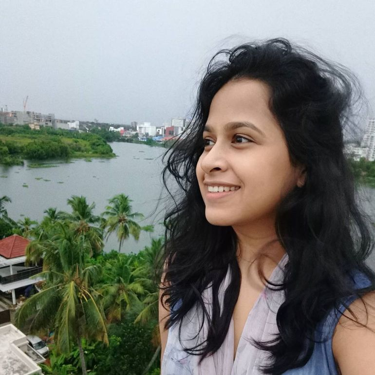 Sadhika Venugopal 39+ Beautiful Photos, Wiki, Age, Biography, and Movies 69