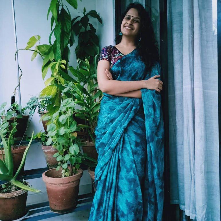 Sadhika Venugopal 39+ Beautiful Photos, Wiki, Age, Biography, and Movies 70