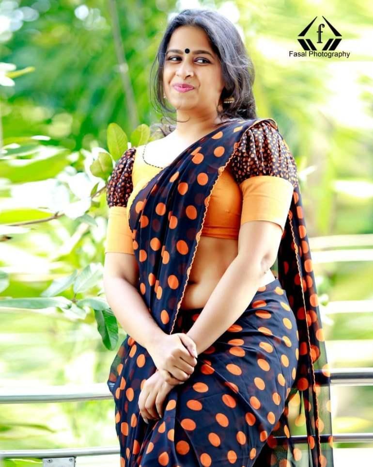 Sadhika Venugopal 39+ Beautiful Photos, Wiki, Age, Biography, and Movies 76