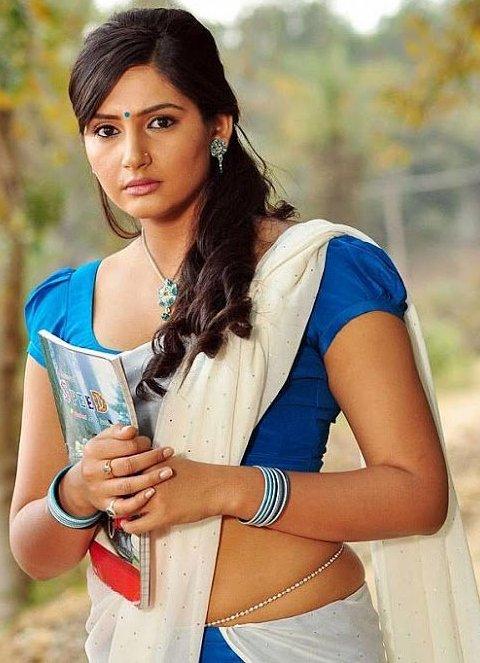 36+ Beautiful Photos of Ragini Dwivedi 13