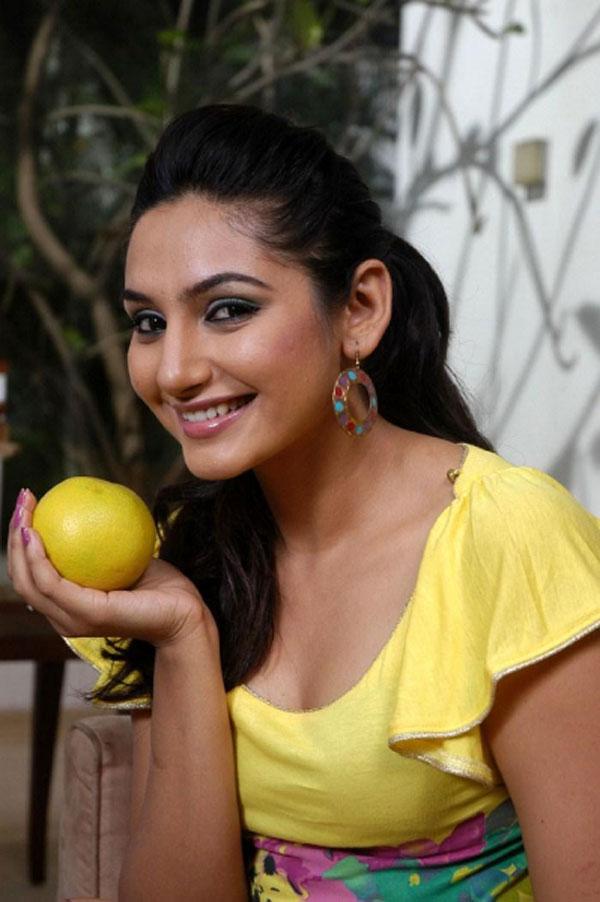 36+ Beautiful Photos of Ragini Dwivedi 24