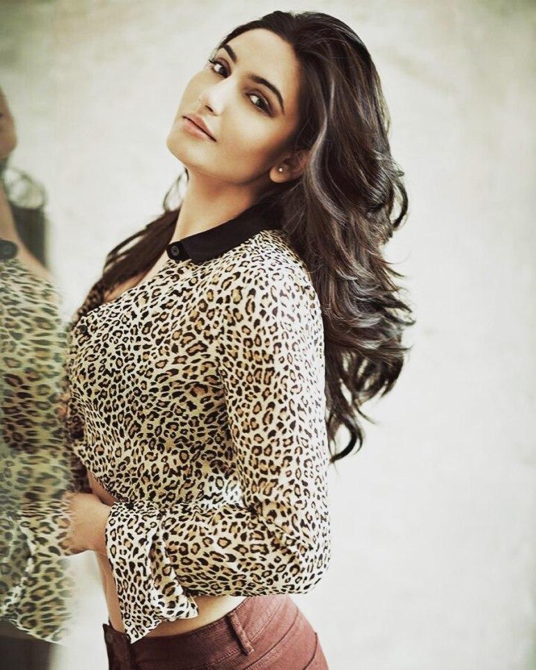 36+ Beautiful Photos of Ragini Dwivedi 6