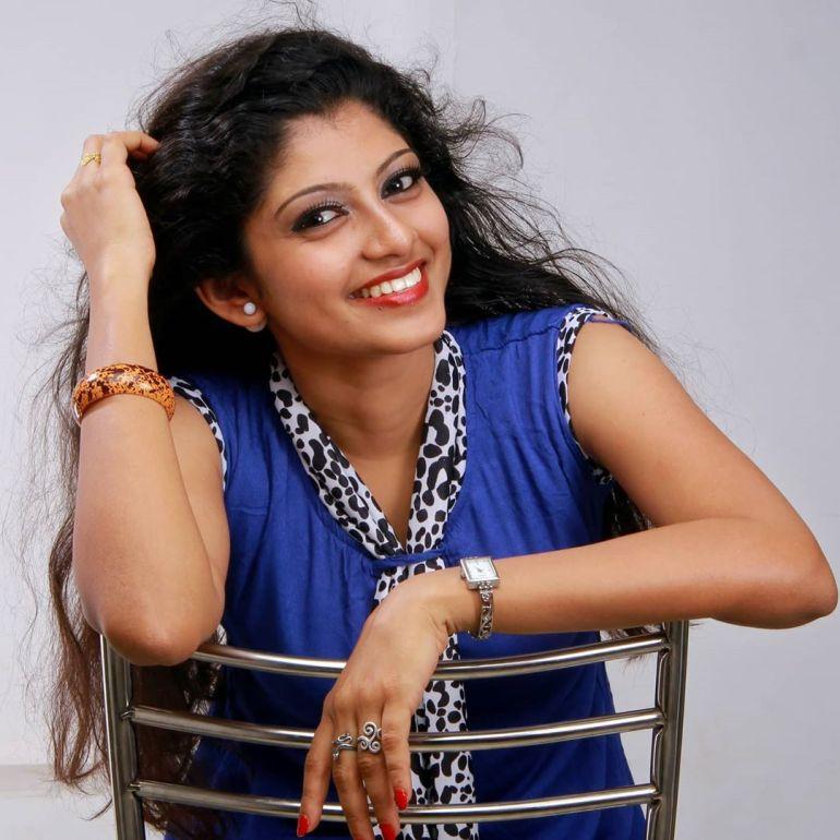 Shruthi Rajanikanth (Sruthi Rajanikanth) Wiki, Age, Biography, Movies, Serial and Beautiful Photos 102