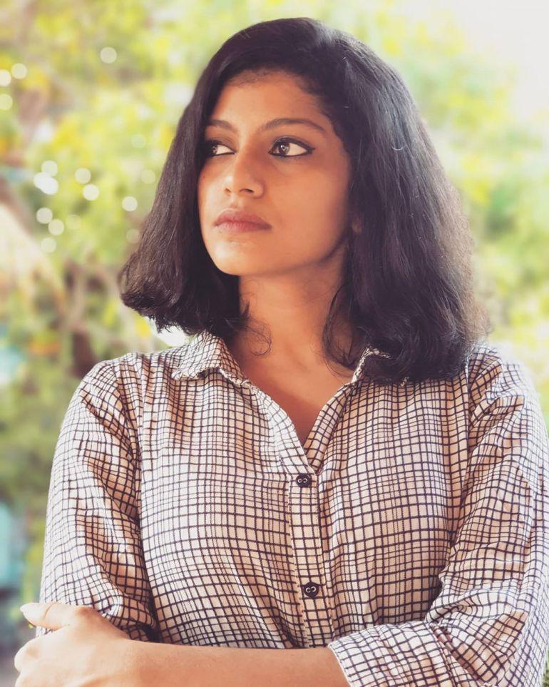 Shruthi Rajanikanth (Sruthi Rajanikanth) Wiki, Age, Biography, Movies, Serial and Beautiful Photos 95