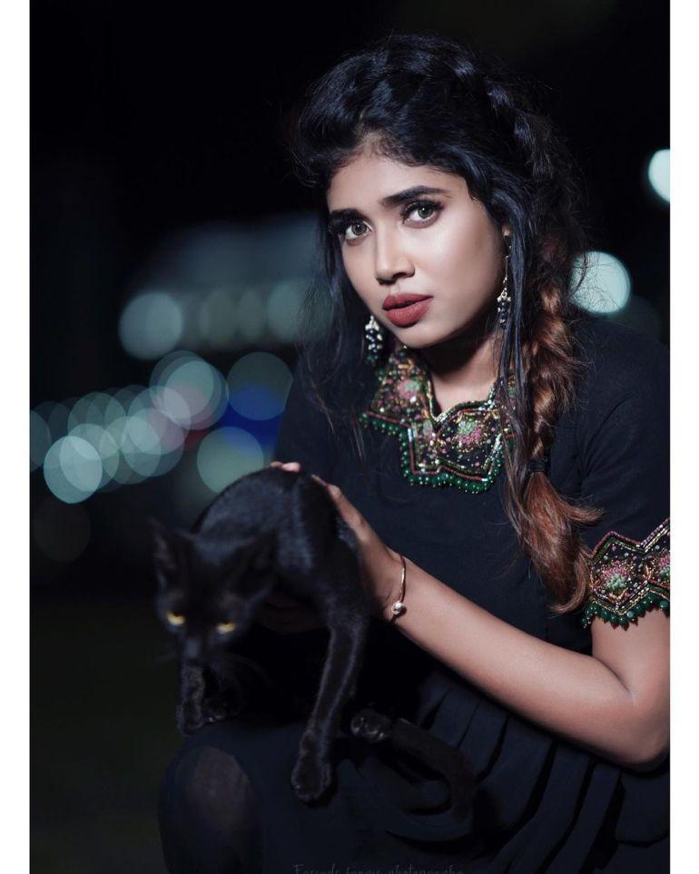Alexandra Johnson (Big boss Malayalam) Wiki, Age, Biography, Movies, web series, and Gorgeous Photos 93