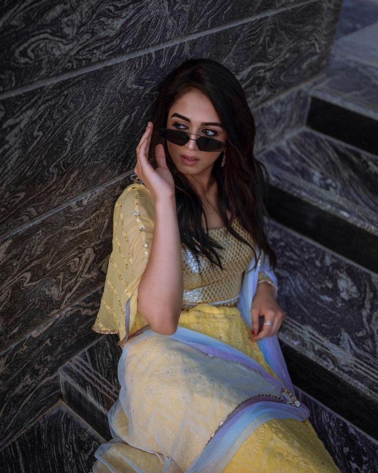 Jumana Khan Wiki, Age, Biography, Movies, Tik Tok, and Gorgeous Photos 86
