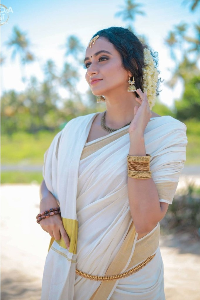 34+ Beautiful photos and Wiki, Biography of Nileen Sandra 67